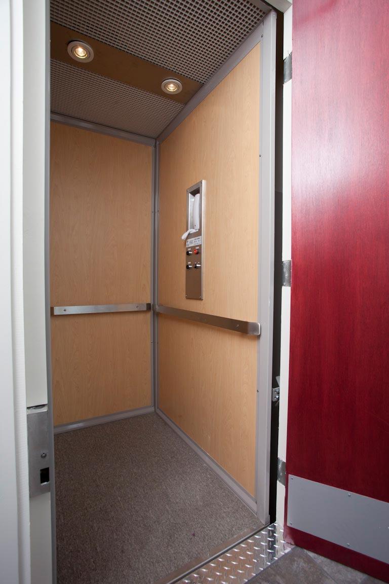 ascenseur-AR-135